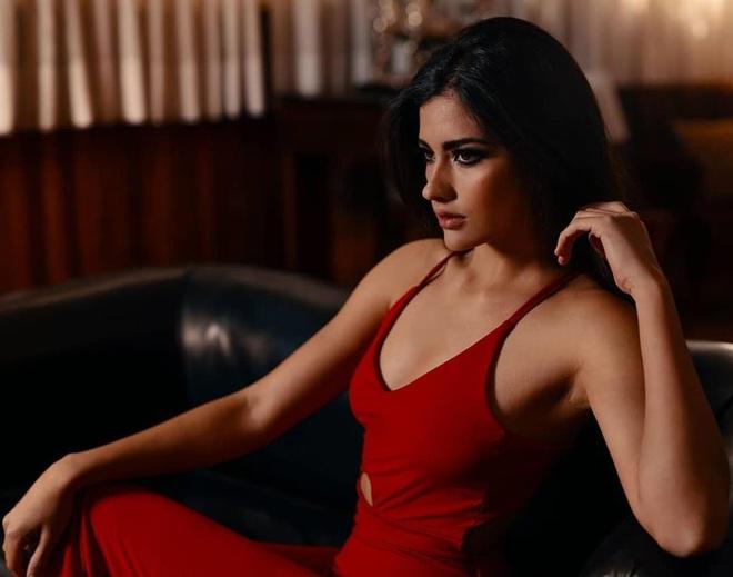 Hết thi Hoa hậu Thế giới, Trái đất, người đẹp Chile lại thi Hoa hậu Hoàn vũ - 7