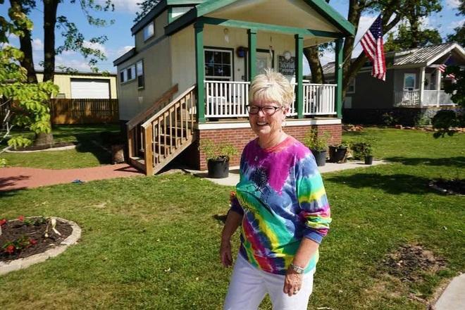 Cặp vợ chồng 9 năm dốc tiền túi xây nhà cho người vô gia cư - 4