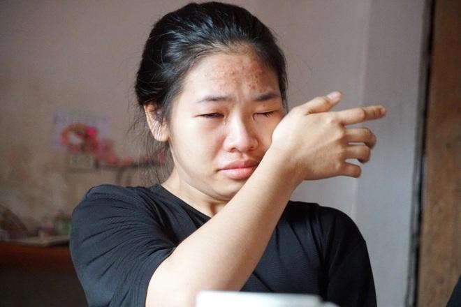 Những giọt nước mắt mặn chát của cô gái mồ côi trước ngưỡng cửa đại học - 1