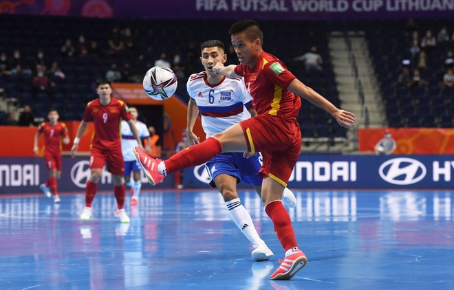 Những khoảnh khắc quả cảm của cầu thủ futsal Việt Nam trước Nga - 6