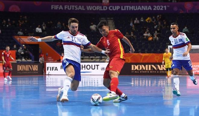 Những khoảnh khắc quả cảm của cầu thủ futsal Việt Nam trước Nga - 12