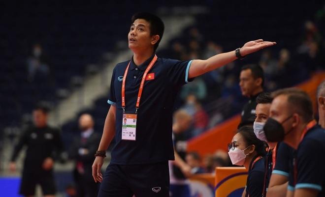Những khoảnh khắc quả cảm của cầu thủ futsal Việt Nam trước Nga - 13