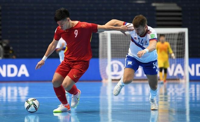 Những khoảnh khắc quả cảm của cầu thủ futsal Việt Nam trước Nga - 14