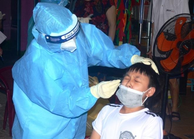 Lập bệnh viện dã chiến điều trị bệnh nhân Covid-19 - 2