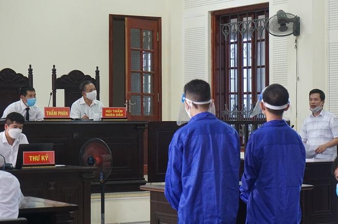 Án tù nghiêm khắc cho học sinh cấp 3 vác cả ba lô ma túy vi vu trên đường - 1