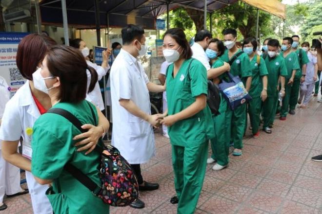 Gần 300 y bác sĩ tiếp tục chi viện miền Nam chống dịch Covid-19 - 2