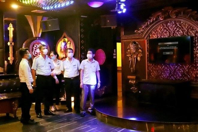 Dịch vụ karaoke, mát-xa được hoạt động trở lại tại Phú Thọ từ chiều nay - 1