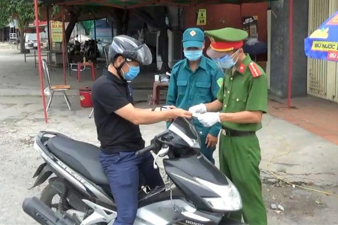 Ninh Bình siết chặt người về từ Hà Nam: Cách ly 14 ngày, tiêm 2 mũi vắc xin - 2