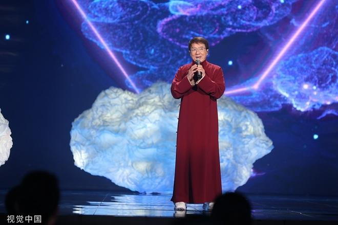 Biểu cảm của Tạ Đình Phong khi Vương Phi trình diễn - 10