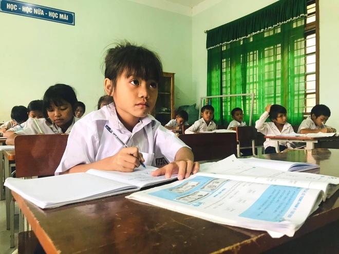 Giám đốc Sở GD-ĐT Hà Nội  thông tin về kịch bản cho học sinh trở lại trường - 1