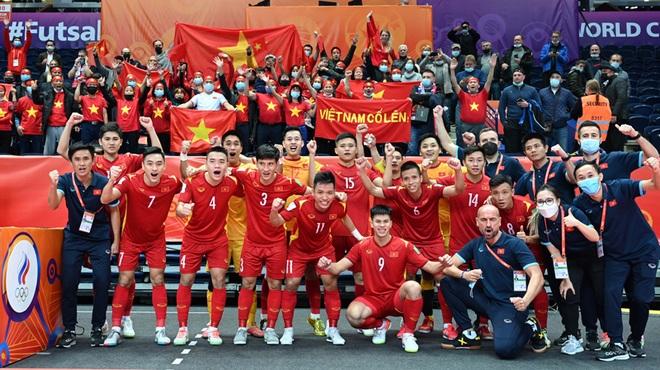Futsal Việt Nam thi đấu kiên cường: Cố gắng hết sức, tại sao phải cúi đầu? - 3