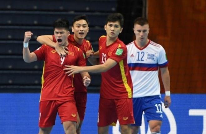 Futsal Việt Nam thi đấu kiên cường: Cố gắng hết sức, tại sao phải cúi đầu? - 2
