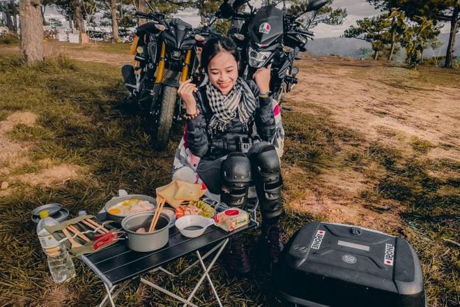 Cô gái 24 tuổi lái mô tô đi phượt khắp nơi, thích ở khách sạn ngàn sao - 3