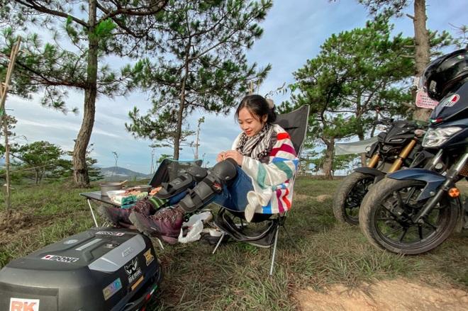 Cô gái 24 tuổi lái mô tô đi phượt khắp nơi, thích ở khách sạn ngàn sao - 6