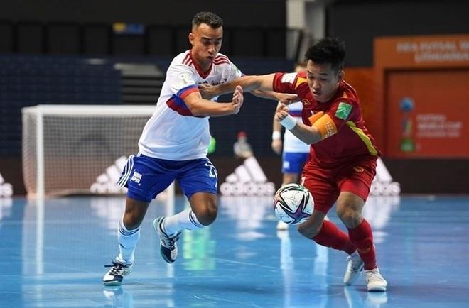 Futsal Việt Nam thi đấu kiên cường: Cố gắng hết sức, tại sao phải cúi đầu? - 1