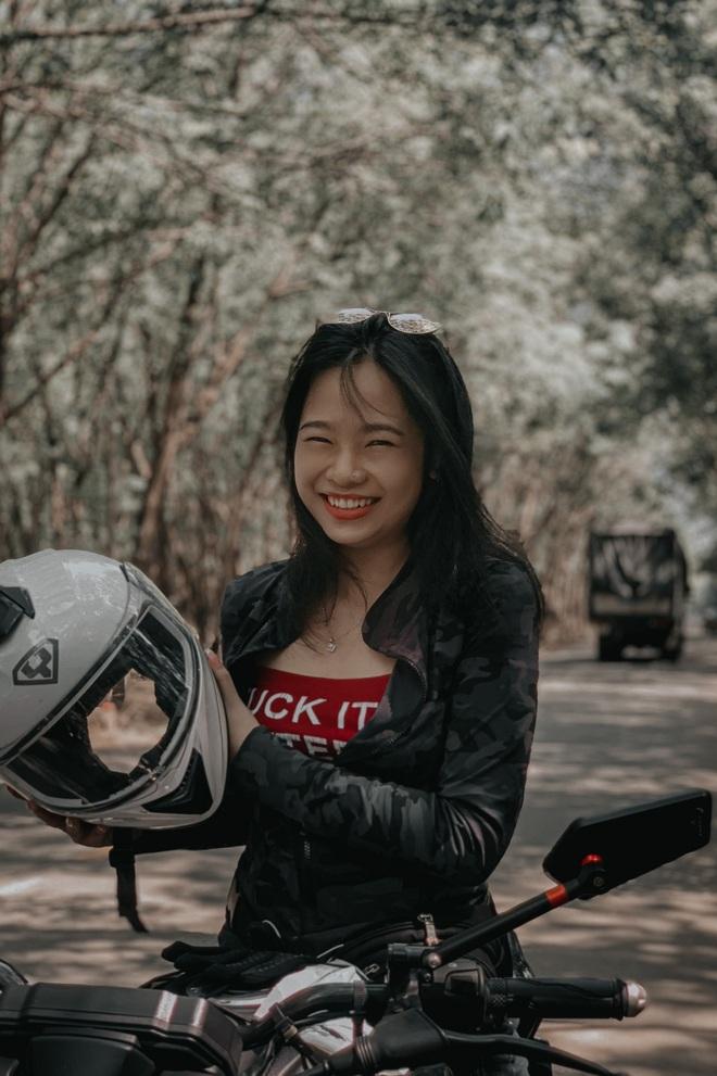 Cô gái 24 tuổi lái mô tô đi phượt khắp nơi, thích ở khách sạn ngàn sao - 2