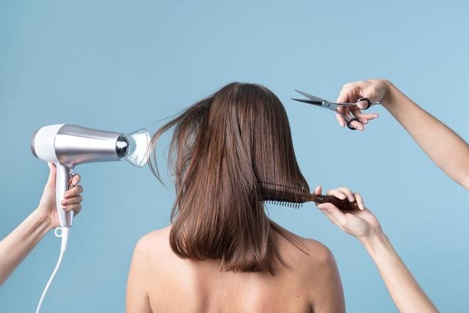 Cắt tóc xấu làm sang chấn tâm lý, salon Ấn Độ phải đền khách 270.000 USD - 1