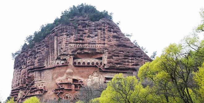 Bí mật về hang động cổ chứa hàng nghìn tượng Phật ngàn năm - 1