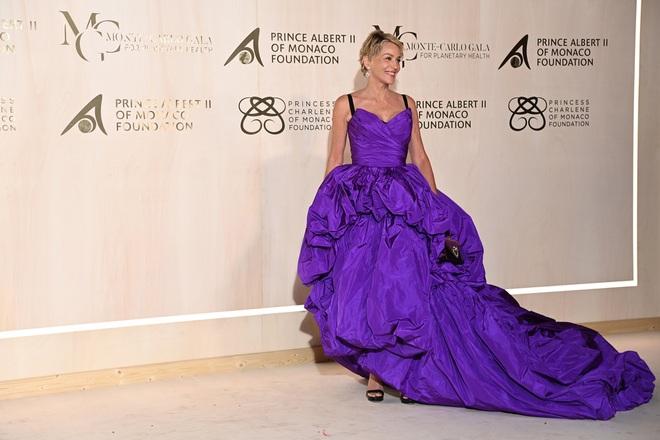 Minh tinh phim Bản năng gốc Sharon Stone vẫn trẻ đẹp ở tuổi 63 - 1