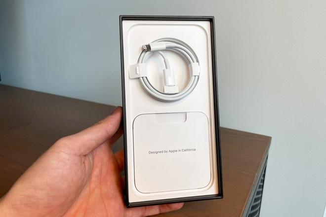 Review nhanh: iPhone 13 Pro Max màu Sierra Blue đầu tiên trên thế giới - 3