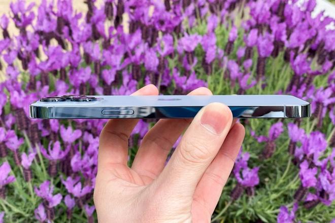 Review nhanh: iPhone 13 Pro Max màu Sierra Blue đầu tiên trên thế giới - 5