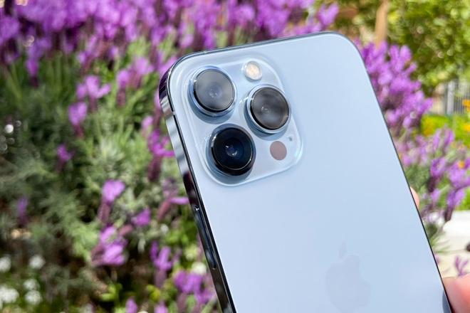 Review nhanh: iPhone 13 Pro Max màu Sierra Blue đầu tiên trên thế giới - 6