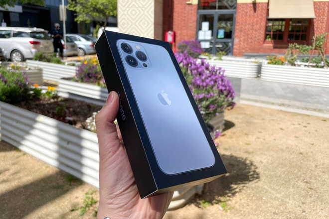 iPhone 13 Pro Max xách tay đổ bộ về Việt Nam, giá từ 46,5 triệu đồng - 2