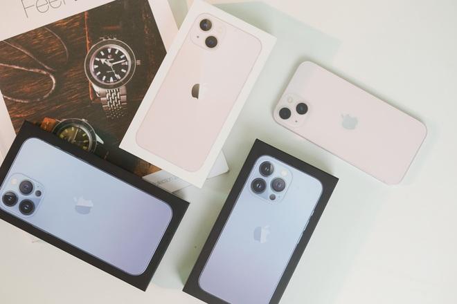 Trên tay iPhone 13, iPhone 13 Pro, 13 Pro Max tại Việt Nam - 1