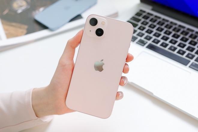 Trên tay iPhone 13, iPhone 13 Pro, 13 Pro Max tại Việt Nam - 4