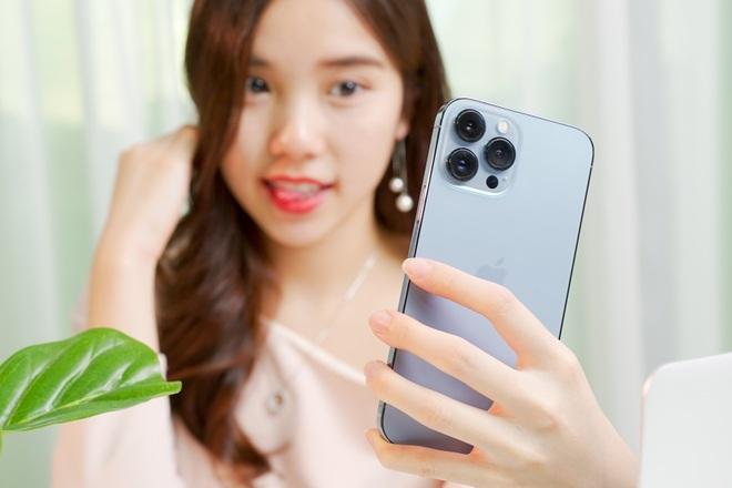 Trên tay iPhone 13, iPhone 13 Pro, 13 Pro Max tại Việt Nam - 8