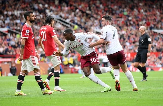 HLV Solskjaer đổ lỗi cho VAR khiến Man Utd thua Aston Villa - 1