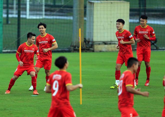 HLV Park Hang Seo ra lệnh đặc biệt trước trận gặp Trung Quốc - 1