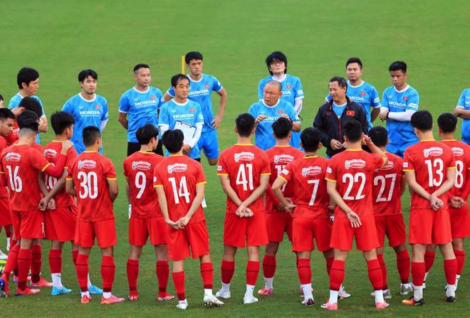 HLV Park Hang Seo ra lệnh đặc biệt trước trận gặp Trung Quốc - 2