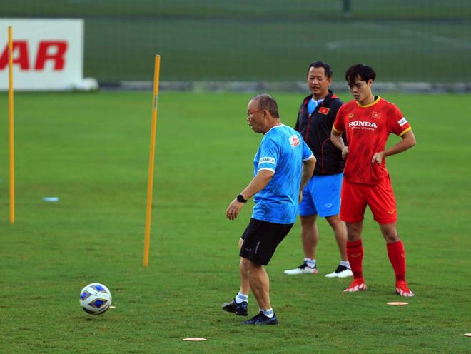 HLV Park Hang Seo ra lệnh đặc biệt trước trận gặp Trung Quốc - 5