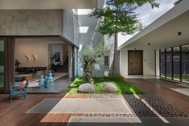 Ngôi nhà rộng 700 m2 có 3 khoảng sân, được xem là thánh địa yên bình - 4