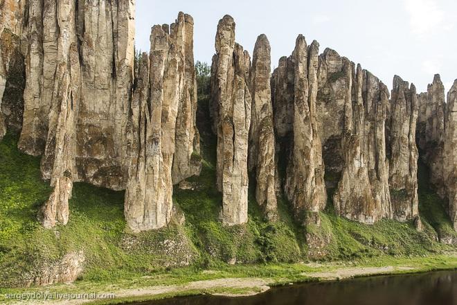 Khu rừng kỳ lạ mọc hàng nghìn trụ đá cách đây 500 triệu năm - 2