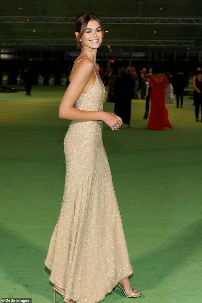 Dàn người đẹp Hollywood xúng xính váy áo tham gia dạ tiệc - 9