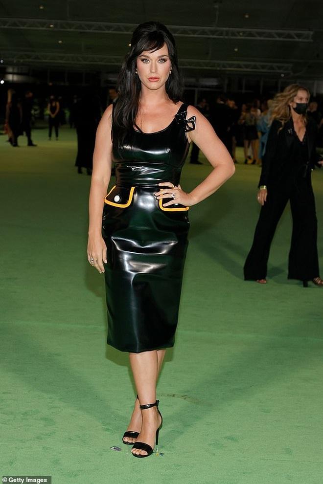 Dàn người đẹp Hollywood xúng xính váy áo tham gia dạ tiệc - 13