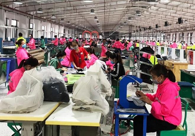 Công nhân công ty Vietglory_Diễn Trường_Diễn Châu_Nghệ An_D.jpeg