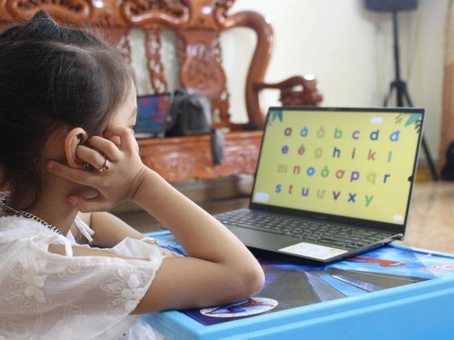Học trực tuyến kéo dài khiến trẻ nảy sinh lo âu, kiệt sức và trầm cảm - 1