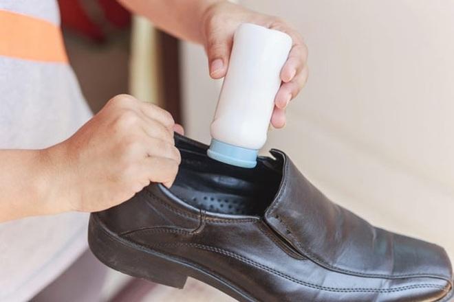 Tuyệt chiêu đi giày mới không bị trầy da, phồng chân - 3