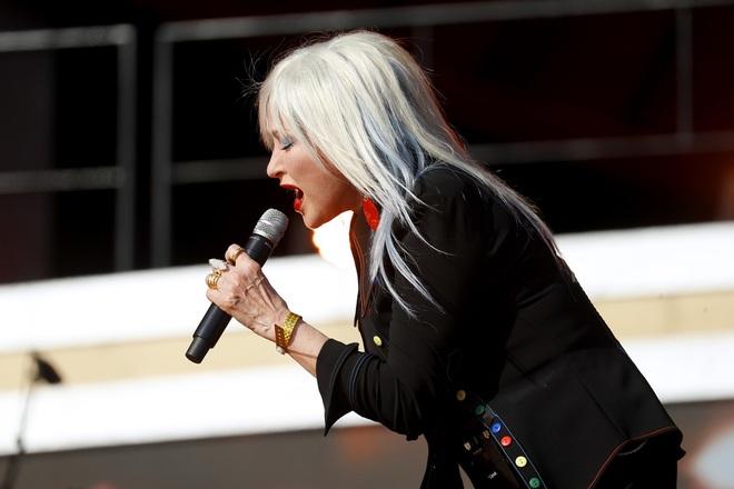 Ngôi sao giành nhiều giải Grammy Lizzo tái xuất nổi bật trên sân khấu - 9