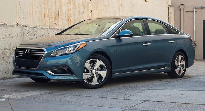 Triệu hồi xe Hyundai Tucson và Sonata do nguy cơ cháy động cơ - 2