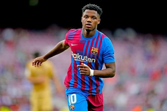 Chỉ cần 10 phút, thần đồng khiến Barcelona không còn nhớ… Messi - 2
