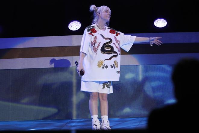 Ngôi sao giành nhiều giải Grammy Lizzo tái xuất nổi bật trên sân khấu - 7
