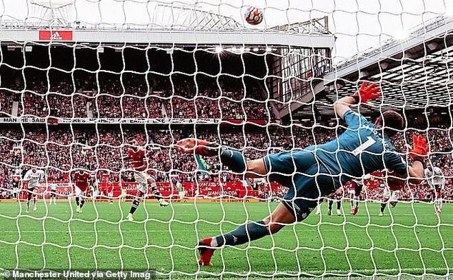 HLV Solskjaer nói gì khi chứng kiến Man Utd trở lại mặt đất? - 1