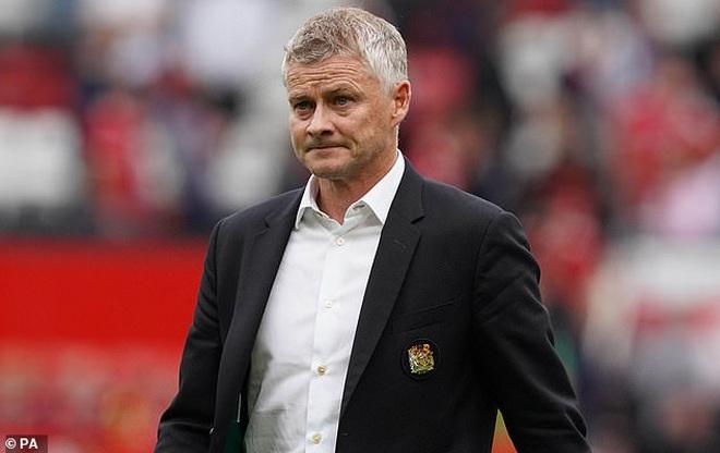 HLV Solskjaer nói gì khi chứng kiến Man Utd trở lại mặt đất? - 2