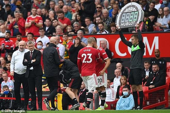 HLV Solskjaer nói gì khi chứng kiến Man Utd trở lại mặt đất? - 3
