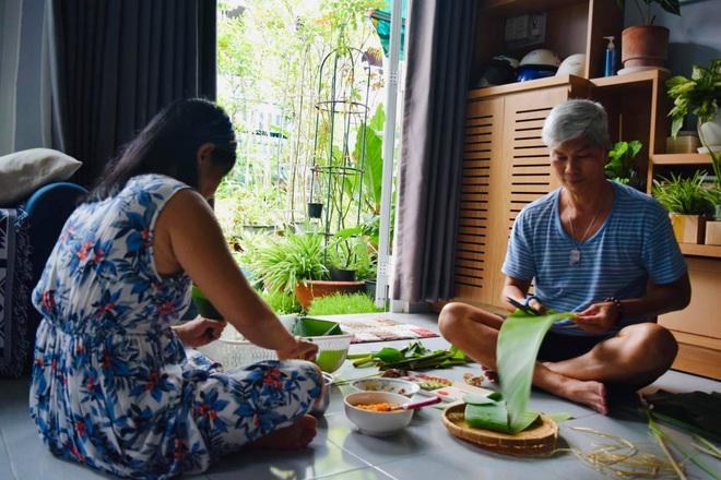 Giảng viên về hưu làm vườn nhiệt đới, trồng hoa hồng tặng vợ ở TPHCM - 13
