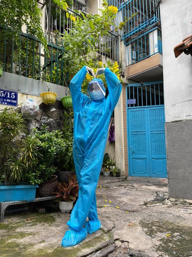 Hoa khôi Thùy Trang: Chừng nào Sài Gòn hết dịch, con về thăm nhà - 2